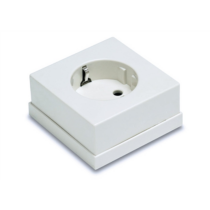 Famatel 162 egyes dugalj gyv. IP20 fehér 5023-B